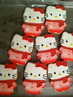 """my first """"Hello Kitty"""" cookies"""