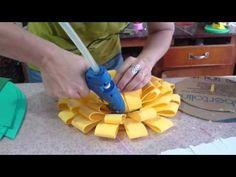 Flor de EVA - YouTube Dyi Crafts, Foam Crafts, Paper Crafts, Handmade Flowers, Diy Flowers, Origami Rose Flower, Paper Flower Patterns, Christmas Origami, Bottle Cap Crafts