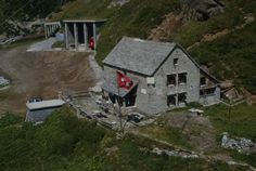 Valle Bavona, Berghütte Basodino; Com_LC0361-00B-001-001-004 Mountain, Cabin, House Styles, Home Decor, Decoration Home, Room Decor, Cottage, Interior Decorating, Mountaineering