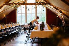 Låven vår har plass til 120 gjester! Bergen, Eid, Table Decorations, Furniture, Home Decor, Homemade Home Decor, Home Furnishings, Decoration Home, Arredamento