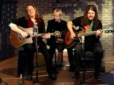 """Gov't Mule Fallen Down  This may be the best """"unplugged"""" version of a song I've ever heard."""