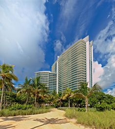 One Bal Harbour 206 (10295 Collins Ave #206, Bal Harbour, FL 33154) | Sold price: $1,500,000  #miami #miamiluxury  #miamirealestate #miamibeachrealestate #luxuryrealestate