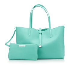 tiffany tote - there's no monogram but I'm pretty sure this tote has my name on it! T is for Tiffany & Co! Color Azul Tiffany, Tiffany & Co., Tiffany Party, Pierre Turquoise, Reversible Tote Bag, Tiffany Jewelry, Tiffany Bracelets, Blue Purse, Mint