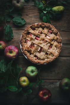 Hazelnut Apple Pie by Eva Kosmas Flores This classic apple pie recipe includes an autumn twist, with delicious ground hazelnuts in the crust, adding a comforting toasty flavor. Apple Pie Recipes, Apple Desserts, Best Dessert Recipes, Fruit Recipes, Fun Desserts, Fall Recipes, Sweet Recipes, Classic Apple Pie Recipe, Pie Decoration