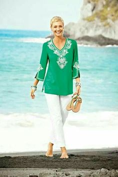 Fashion Over 50 Older Women Fashion, Over 50 Womens Fashion, Fashion Over 50, Look Fashion, Fashion Outfits, Fashion Trends, Tj Sp, Chicos Fashion, Resort Wear For Women