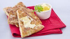 K-ruoasta löydät yli 7000 testattua Pirkka reseptiä sekä ajankohtaisia ja asiantuntevia vinkkejä arjen ruoanlaittoon, juhlien järjestämiseen ja sesongin ruokaherkkujen valmistukseen. Tutustu myös Pirkka- ja K-Menu-tuotteisiin. Mitä tänään syötäisiin? -ohjelman jaksot Pirkka resepteineen löydät K-Ruoka.fistä. No Salt Recipes, Baking Recipes, Snack Recipes, Snacks, Finnish Recipes, Salty Foods, Savoury Baking, Yummy Food, Tasty