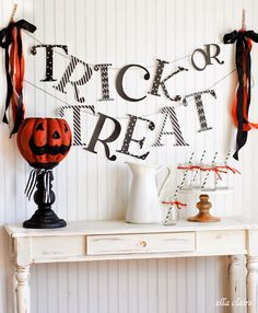 {Ella Claire}: Trick or Treat Halloween Banner | Free Printable