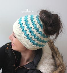 I'm sure many of you have seen the latest crochet trend: Messy Bun Hats! Also known as pony tail hat, these beanies have a hole at the top for your hair to hang through. A fun and functional look! Crochet Pony, V Stitch Crochet, Crochet Beanie, Crochet Stitches, Crochet Hats, Knit Hats, Slip Stitch, Crochet Pattern Free, Crochet Patterns