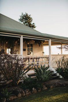 Real Wedding // Katrina & Josh's byronviewfarm wedding - Byron Bay Weddings Future House, My House, Queenslander, Byron Bay, House Goals, Farm Life, Modern Farmhouse, Country Farmhouse, Beautiful Homes