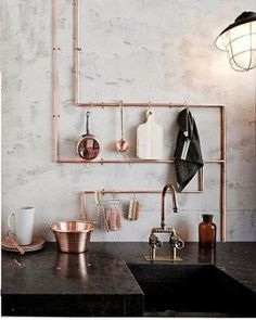 Beautiful exposed copper pipes make a chic and stylish kitchen - dream :)