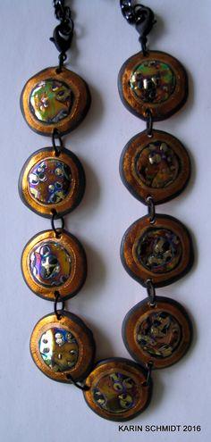 Halskæde. Necklace. Friendly plastic. Karin Schmidt, Friendly Plastic, Wind Chimes, Washer Necklace, Mixed Media, Clock, Outdoor Decor, Crafts, Inspiration