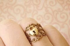 Collar ring..omg Daddy I want this!