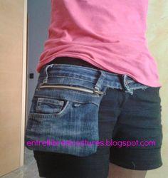 Denim fanny pack from old jeans Diy Bags Jeans, Diy Jeans, Jean Crafts, Denim Crafts, Artisanats Denim, Jean Diy, Denim Ideas, Hip Bag, Recycled Denim