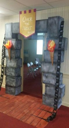 Viking Party, Medieval Party, Medieval Crafts, Dragon Birthday Parties, Dragon Party, Classroom Birthday, Classroom Decor, Castle Classroom, Castle Party