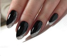Make an original manicure for Valentine's Day - My Nails Hair And Nails, My Nails, Nail Manicure, Nail Polish, Punk Nails, Nagellack Design, Black Nail Designs, Nailed It, Black Nails