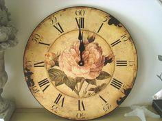 Horloge ronde roses anciennes, déco rétro