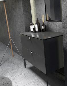 Szafki łazienkowe Siena w kolorze czarny mat producenta Oristo dostępne z uchwytami chromowanymi lub złotymi. #oristo #budowadomu #projektantwnetrz #instagood #inspiracjelazienkowe #modernbathroom #architekciwnetrz #tile #bedroom #bathandbeauty #bathproducts #projektant #gdańsk Siena, Nightstand, Table, Furniture, Home Decor, Decoration Home, Room Decor, Night Stand, Tables