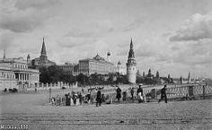 The Kremlin seen from the Bolshoy Kamennyj bridge