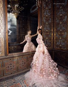 Beautiful wedding gowns and ball gowns. Quinceanera Dresses, Prom Dresses, Bridal Gowns, Wedding Gowns, Fairytale Dress, Fantasy Dress, Beautiful Gowns, Beautiful Eyes, Dream Dress