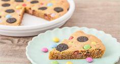 Backen macht glücklich | Cookie Pie: Bunter Kuchen mit Süßigkeiten | http://www.backenmachtgluecklich.de