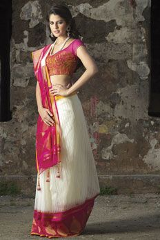 Handloom saree weaved in jute kora silk fabric, Blouse as seen is optional. Ethnic Sarees, Indian Sarees, Indian Blouse, India Fashion, Asian Fashion, Saree Fashion, Women's Fashion, Indian Dresses, Indian Outfits