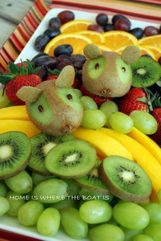 and Boat Time Kiwi Mouse Decorated Fruit Tray by Home Is Where the Boat Is. These would be very fun on a bowl of school fruit.Kiwi Mouse Decorated Fruit Tray by Home Is Where the Boat Is. These would be very fun on a bowl of school fruit. Fruit And Veg, Fruits And Veggies, Fun Fruit, Fruit Ideas, Fruit Art, Summer Fruit, Deco Fruit, Fruits For Kids, Childrens Meals
