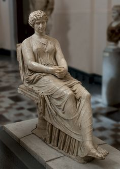 Woman sitting, Roman statue (marble), 1st century BC, (Museo Archeologico Nazionale, Naples).