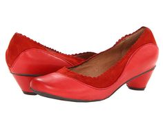 Nice texture contrasts and cute heel
