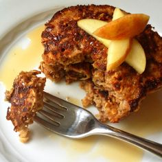 Apple Cinnamon Oatmeal Protein Pancakes