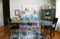 love the mix + match chairs at this dining table #theeverygirl