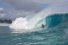 SURFER @SURFER_Magazine   John John Florence, sans jersey and happy to be home at Pipeline before jetting off to Rio. http://srfer.co/Zi0B4i @zordario