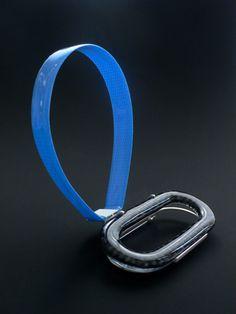 """JANTJE FLEISCHUT-DE/NL - """"rapid blue"""" brooch 2009 silver,found plastic,resin,fibreglass fabric"""