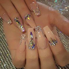 Nail art Christmas - the festive spirit on the nails. Over 70 creative ideas and tutorials - My Nails Bling Acrylic Nails, Summer Acrylic Nails, Glam Nails, Best Acrylic Nails, Rhinestone Nails, Fancy Nails, Bling Nails, Acrylic Nail Designs, Cute Nails
