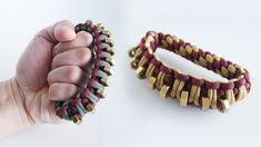 nice How to Make a Paracord Knuckle Duster Tutorial Paracord Braids, 550 Paracord, Paracord Bracelets, Paracord Tutorial, Bracelet Tutorial, Paracord Projects, Paracord Ideas, Homemade Weapons, Diy Schmuck