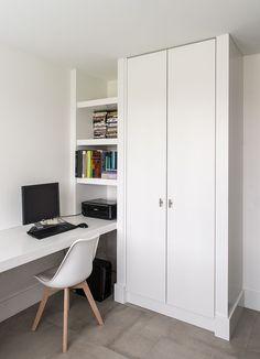 Wardrobe Door Designs, Wardrobe Design Bedroom, Room Design Bedroom, Bedroom Layouts, Room Ideas Bedroom, Home Room Design, Home Office Design, House Design, Small Home Offices