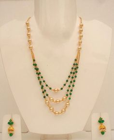 Green beads with pearls India Jewelry, Bead Jewellery, Pearl Jewelry, Wedding Jewelry, Gold Jewelry, Beaded Jewelry, Jewelery, Beaded Necklace Patterns, Jewelry Patterns