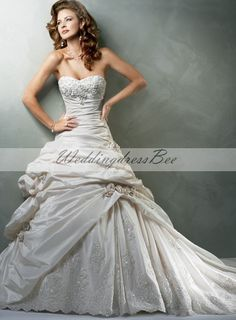 Maggie Sottero is one of the most famous names in wedding gowns designs. Created in 1997 ,Maggie Sottero established the brand as a leader in wedding gowns Cute Wedding Dress, Fall Wedding Dresses, Colored Wedding Dresses, Bridal Dresses, Wedding Gowns, Bridesmaid Dresses, Lace Wedding, Elegant Wedding, Prom Dresses