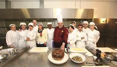 """'Food for diplomacy' project hosts Armenian chef /  Kadir Has Üniversitesi Yaşam Boyu Eğitim Merkezi  Türkiye'nin yakın ve uzak komşuları ile kültürel politik ve sosyal ilişkilerinin, yemek kültürü mirası ile yakınlaştırarak farklı bir zeminde kuvvetlendirilmesi amacıyla """"Diplomasi Sofraları"""" Projesini başlattı.Diplomasi Sofrası'nın ilk konuk ülkesi ise Ermenistan oldu."""