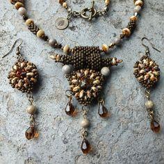 """""""Tara"""" necklace - Superduo beads + Swarovski Rivoli + TOHO"""
