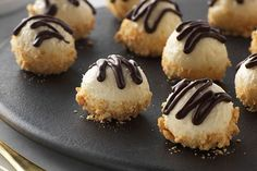are the perfect bite-sized dessert to finish off your meal. Or any time, really. Try our No-Bake Cheesecake Truffles.treats are the perfect bite-sized dessert to finish off your meal. Or any time, really. Try our No-Bake Cheesecake Truffles. Cheesecake Truffles Recipe, Truffle Recipe, No Bake Cheesecake, Cheesecake Recipes, Cookie Recipes, Cheesecake Bites, No Bake Truffles, Classic Cheesecake, Simple Cheesecake