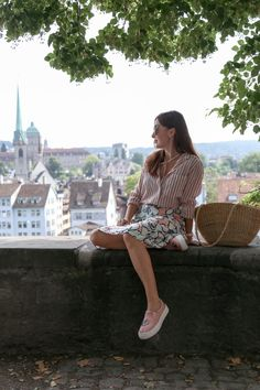 Mixing Patterns, Pink Sneakers, Zurich, Petite Fashion, Old Town, Switzerland, Straw Bag, Short Sleeve Dresses, Romantic