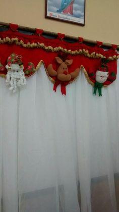 Wall Christmas Tree, Felt Christmas Decorations, Christmas Makes, Christmas Centerpieces, Christmas Bells, Christmas 2019, Christmas Holidays, Christmas Ornaments, Holiday Decor