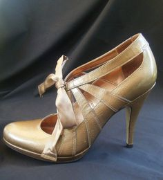 Women s Designer Gold Patent Leather, High-Heeled Shoes, Size 9