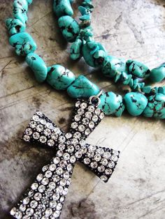 Turquoise necklace adds prairie bling