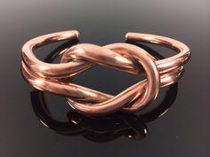 Twisted Copper Cuff Bracelet //Handmade// por TheSilverWorkshop