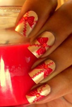 31 Attractive Christmas and New Year's Eve Nail Art Designs That Will Leave You Breathless Gorgeous Nails, Love Nails, How To Do Nails, Fun Nails, Pretty Nails, Holiday Nail Art, Christmas Nail Designs, Christmas Nail Art, Christmas Bows