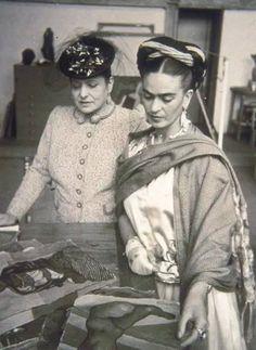 Grandes mujeres: Frida Kahlo y Helena Rubinstein.
