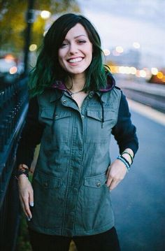 Jenna Mcdougall front woman of Tonight Alive.