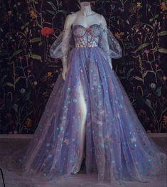 Ball Gowns Prom, Ball Gown Dresses, Prom Dresses, Fairytale Dress, Fairy Dress, Pretty Dresses, Beautiful Dresses, Elegant Dresses, Fantasy Gowns
