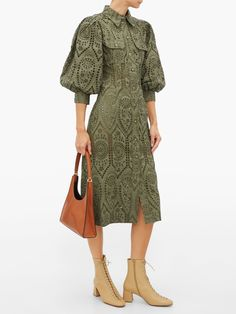 Ganni Balloon-Sleeve Broderie-Anglaise Cotton Shirtdress Street Style Trends, Autumn Street Style, Street Style Women, Office Outfits, Outfits For Teens, Stylish Outfits, Work Outfits, Mori Fashion, Fashion Dresses